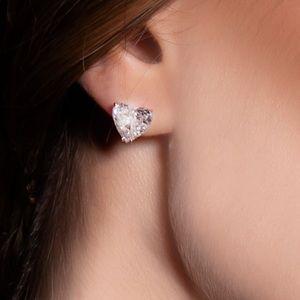 .925 sterling silver heart Diamonds 💎 studs
